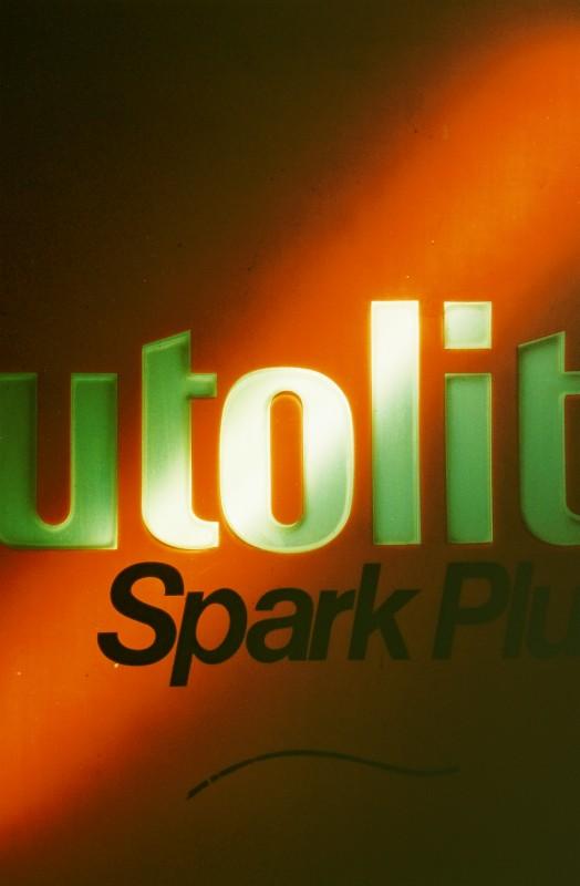 Autolite (vertical)