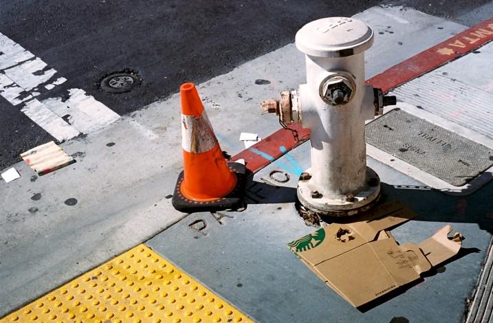 Starbucks Hydrante Cone